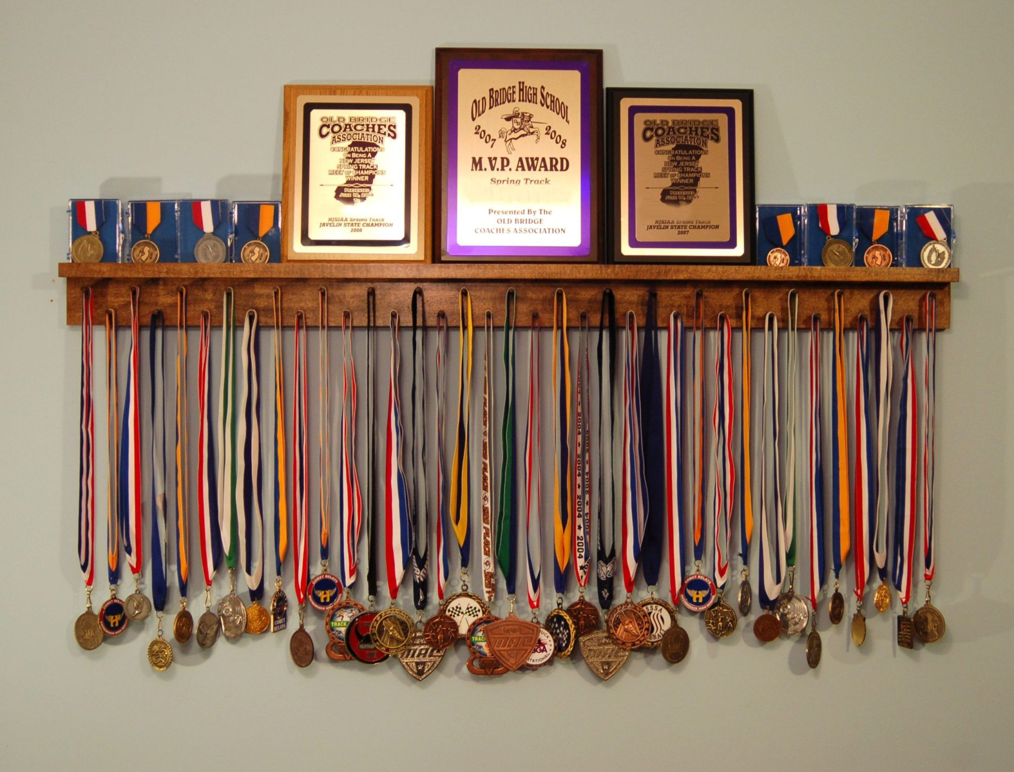 медальницы на стене